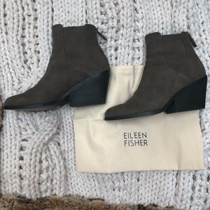 EILEEN FISHER - NWT Shadow Suede Zippered Booties
